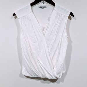 Heartloom White Sleeveless Top With Lace